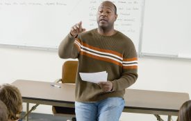 Teaching Psychological Science Image of Teacher in Classroom