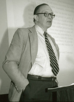 "George A. Miller delivers the keynote address, ""The Place of Language in a Scientific Psychology,"" at the first APS Annual Convention in 1989."