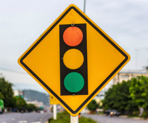 Advance Warning for Light Changes Could Make Intersections
