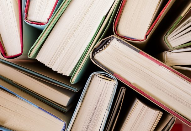Textbook Analysis Uncovers Erroneous Explanations of Statistical Significance